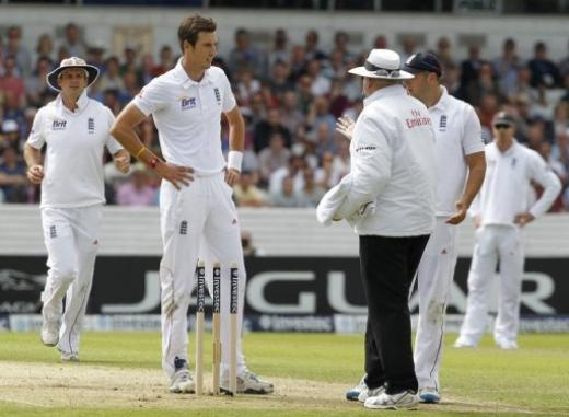 Steven Finn was forced to shorten his run up after fears of increased amount of no-balls after the ICC introduced a new law banning it (PC: CricBuzz)