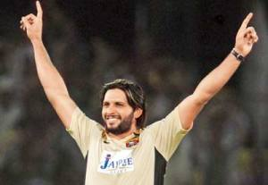 Shahid Afridi celebrates a wicket in IPL uniform (PC: Mid-Day)
